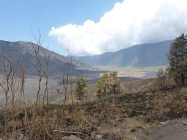 Hinein in den Krater