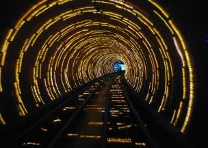 Fussgängertunnel unter dem Huangpu Fluss