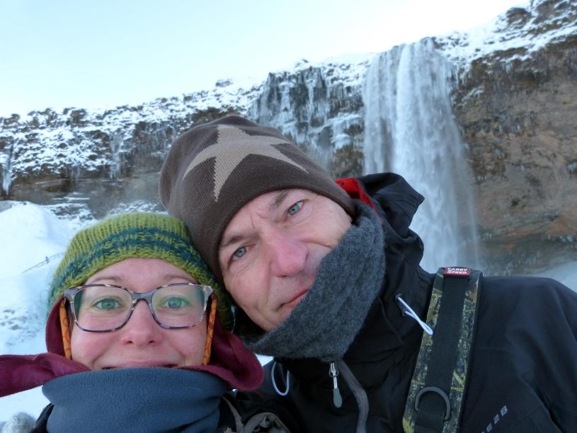 Eingemummelt am Seljalandsfoss