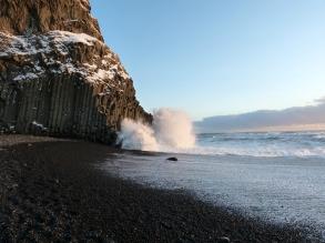 Fels gegen Wasser