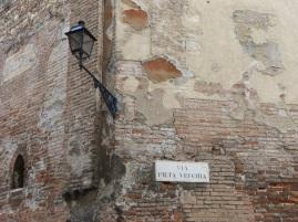 Alte Straßenschilder