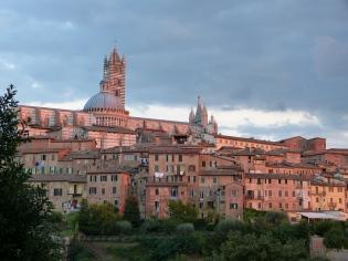 Sonnenuntergang mit Blick auf Siena