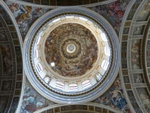 Im Dom von Mantua