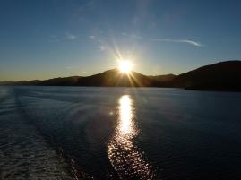 Sonnenaufgang bei der Überfahrt