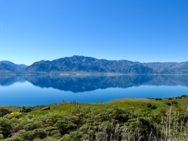 Reflektionen im Lake Hawea