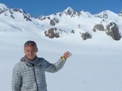So klein ist der andere Heli - so groß ist also der Gletscher