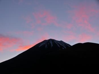 Morgenröte empfängt uns am Berg