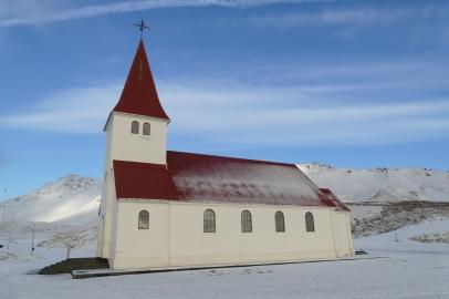 Die kleine Kirche in Vík