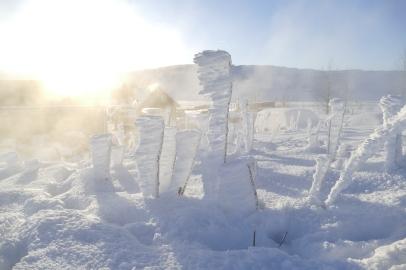 Eisgebilde vom Wind geformt