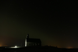 Die Kirche und ein zarter Halo