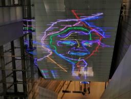 Das Metro-System zeigt Gesicht